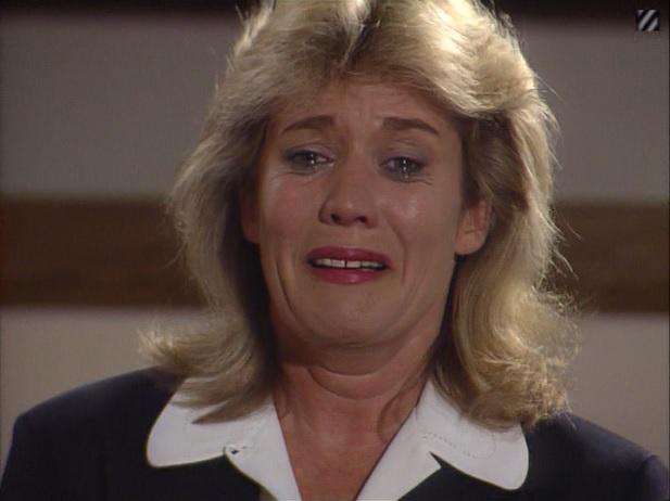 Episode 1500 (25th October 1990)