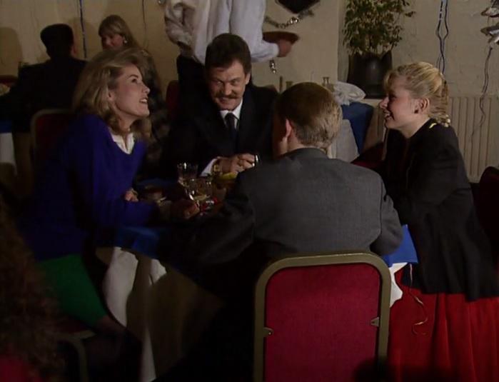 Episode 1414 (21st December 1989)
