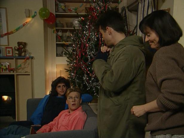 Episode 1515 (18th December 1990)
