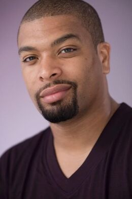 Deray-davis-photo-02.jpg
