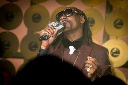 Snoop-Dogg-Empire.jpg