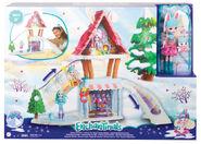 Doll stockphotography - Hoppin Ski Chalet box stockphoto