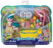 Doll stockphotography - Bathtime Splash box stockphoto