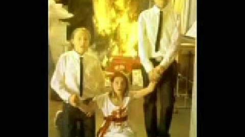 MTV te desea una Masónica-satánica Navidad! (Iluminati Spot Tv)