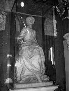 Statua Elene Piskopije