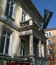 Außenansicht des Hanseatenhauses.jpg