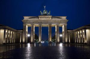 Brandenburg Gate Based On.png