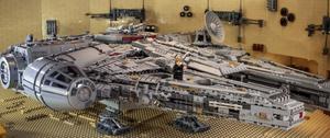Millenium Falcon Exterior.png