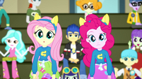 Pinkie Pie and Fluttershy look confused SS4