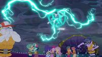 Lightning threatens the cruise passengers EGSB
