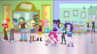 Sunset Shimmer and friends waiting in line together EGDS2