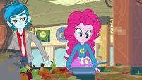 Pinkie Pie in lunch queue