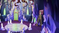 Princess Twilight and Spike hang a painting EGSB