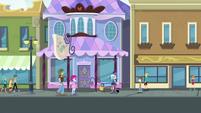 Trixie performing magic on the street EGDS31