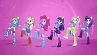 Main 6 singing stomp your hooves