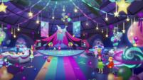 Pinkie Pie announces chocolate cake EGDS38