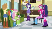 Rarity with friends obviously very different