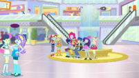 Mane Seven and Flash in the colorful Canterlot Mall SS16