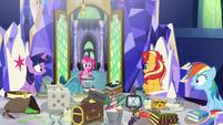 Equestrian Pinkie Pie enters throne room EGSB