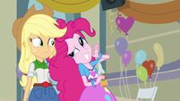 Applejack and Pinkie she's psychic
