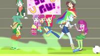 Rainbow runs past Crusaders and Cheerilee CYOE17c
