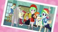 EG BT3 Rainbow Dash w klubie malarzy