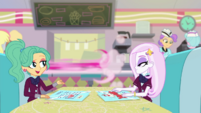 Pinkie speeds away from Garden Grove's table EGDS39