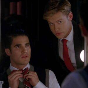 Glee-Season-4-Episode-3-Recap-Video-Makeover-05-2012-09-27.jpg