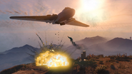 Volatol tirando bombas