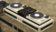 Autobús del festival-GTAO-Mesada de DJ