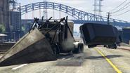 PhantomWedge emujando el vehiculo para afuera