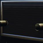 Pounder personalizado vista cercana de las miniguns montadas.png