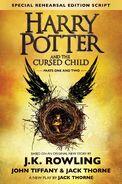 Portada en inglés de Harry Potter y el legado maldito