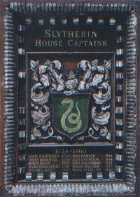 HPPTS Placa de los capitanes del equipo de quidditch de slytherin (1724-1960).jpg
