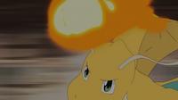 GEN04 Dragonite usando puño fuego