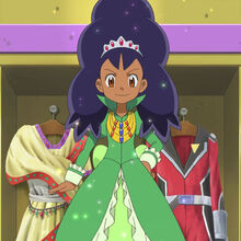 EP760 Iris con un vestido y bien arreglada.jpg