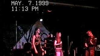 Evanescence_-_Exodus_(Live_Vino's_Bar_1999)