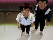 Shinji y Toji visitan a Rei Ayanami