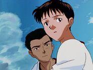 Shinji Ikari y Toji con ropa de gimnasia