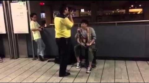 地政署青年自彈自唱兼秒殺港鐵職員 有勇氣到一個點就係型!