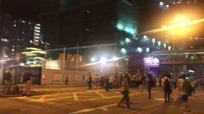 深水埗警署警員失控 開咪與市民鬥氣互鬧:繼續叫啦!聽唔到!再大聲啲!