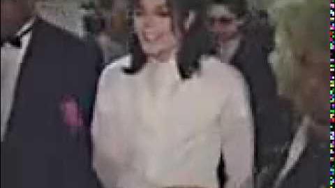 Michael Jackson Backstage @ American Music Awards in 1993 (Rare)