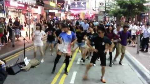 GANGNAM STYLE flash mob by 00 hr (銅鑼灣快閃)