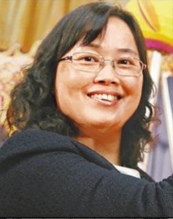 東華三院李東海小學教師校內自殺事件
