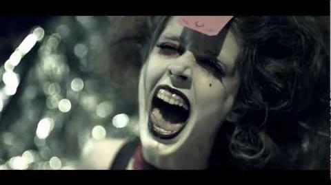 獨家1分鐘完整版 十月全城哈囉喂 2012 電視廣告, 聖羅蘭再現!