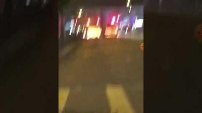 1 10 黑警係馬路截停救護車 搶走傷者上警車