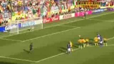 2006_FIFA_-_Totti_12碼球