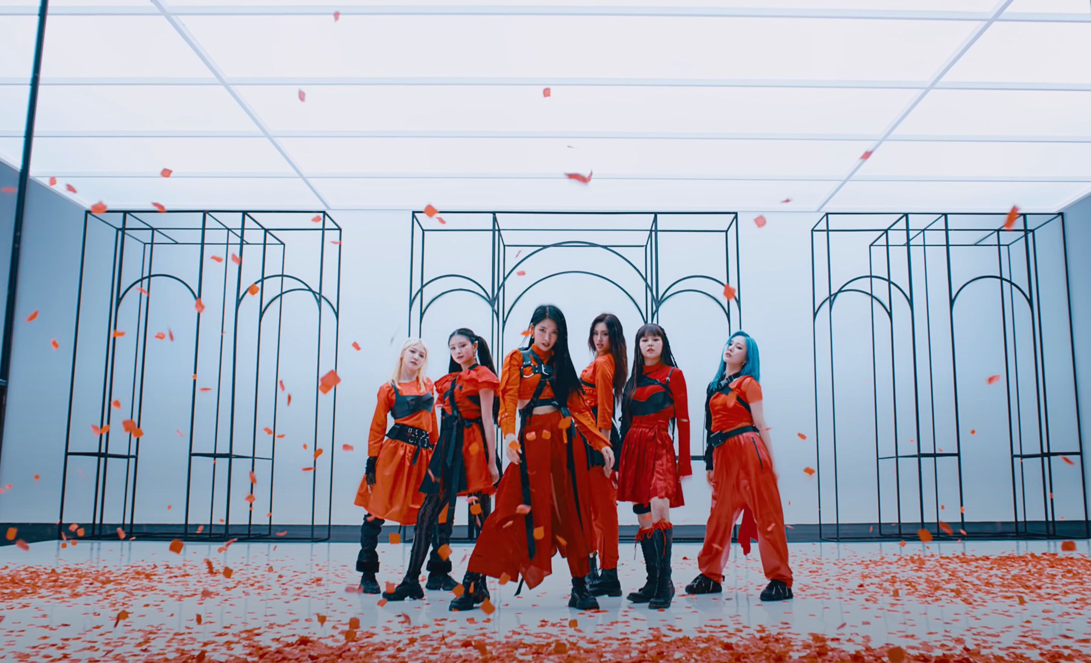 EVERGLOW FIRST Slider.png
