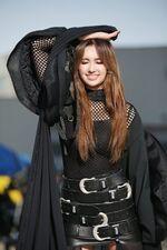 Everglow Crank In Film Backstage Aisha 아샤3-1333x2000.jpg