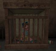 Ребекка в клетке